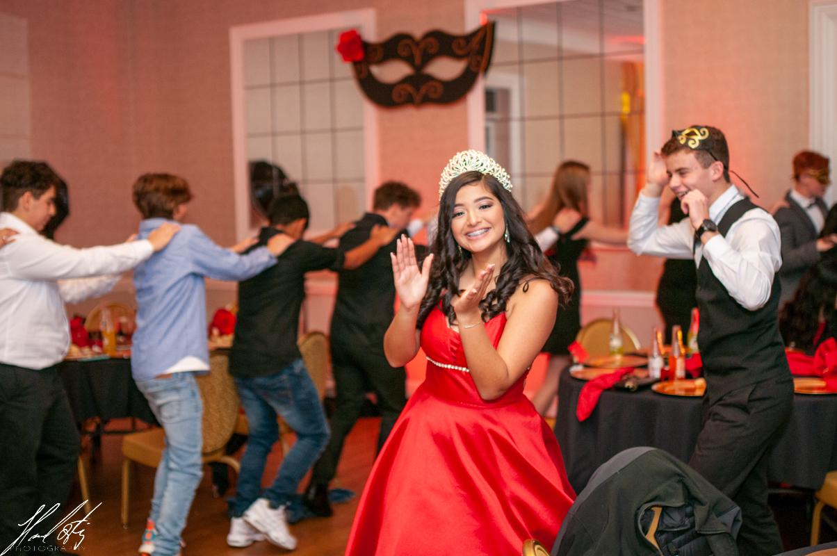 quinceaneras red dress inspiration, quinceaneras dresses, quinceaneras photographer, quinceaneras videographer charlotte nc photography and video by hansel ortiz hortizphotography gastpon country club charlotte nc,